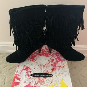 BRAND NEW Chinese Laundry fringe suede boots!